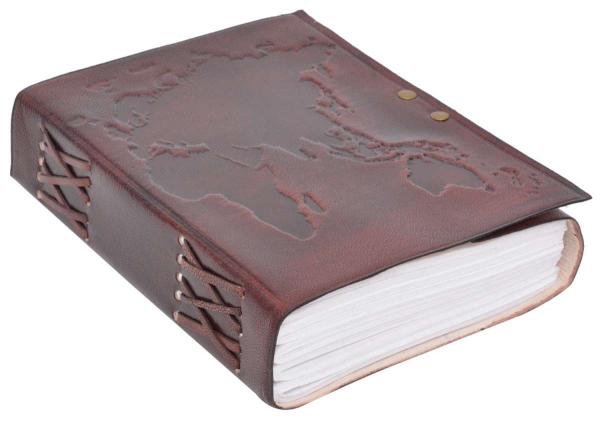 Braunes Notizbuch mit Ledereinband und Weltkarten-Motiv