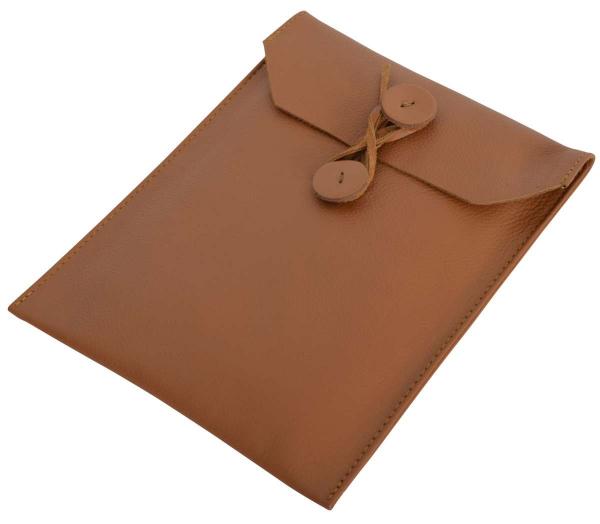 Braune Leder-Tablettasche mit Wickelverschluss