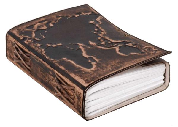 Notizbuch mit Ledereinband und dunkelbraunem Weltkarten-Motiv