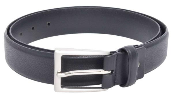 Schwarzer Ledergürtel mit Schnalle